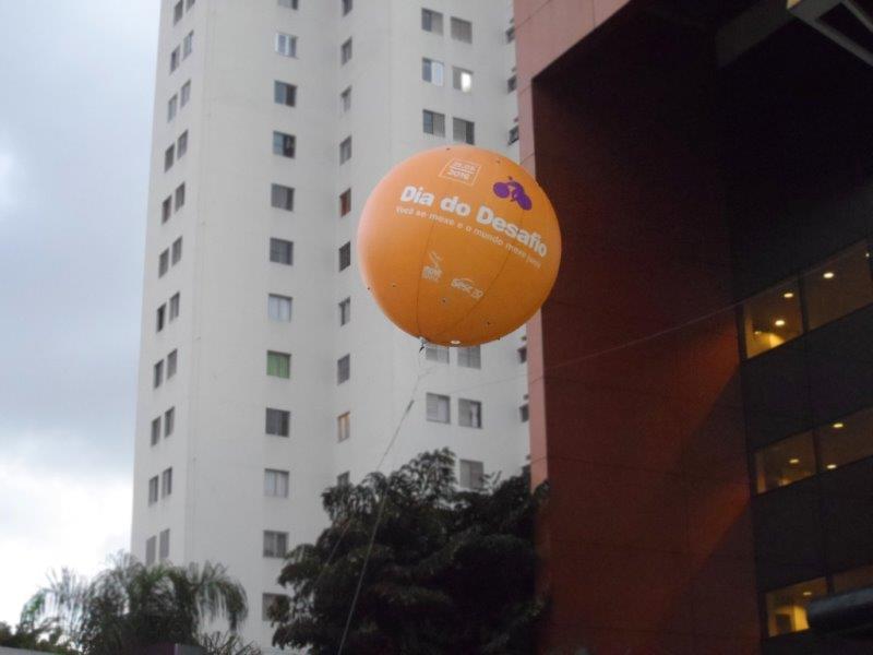 Balão inflável flutuante